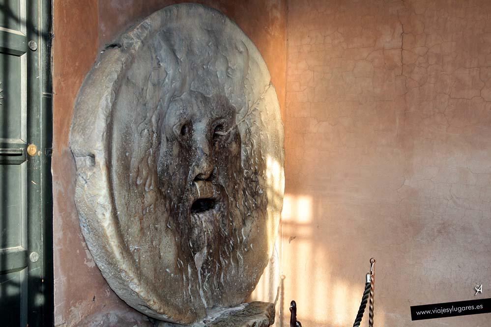 Sta María de In Cosmedin y la Boca de la Verdad