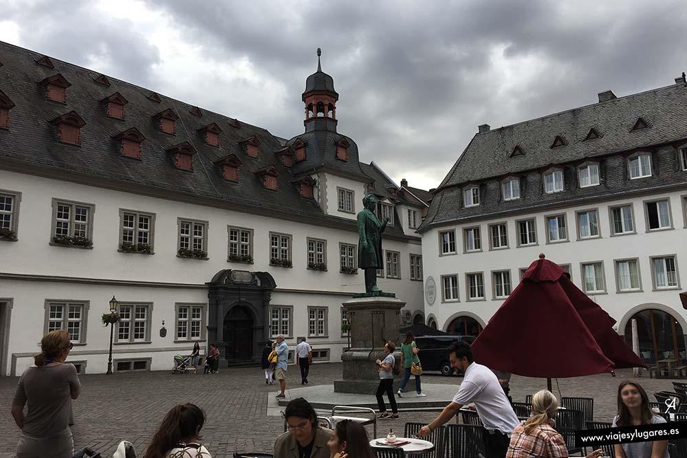 Ayuntamiento y plaza de los Jesuitas. Coblenza, una ciudad con encanto