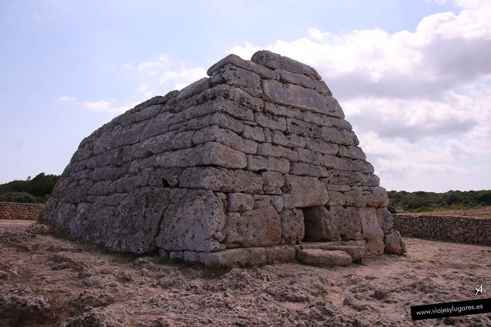 Naveta des Tudons en Menorca
