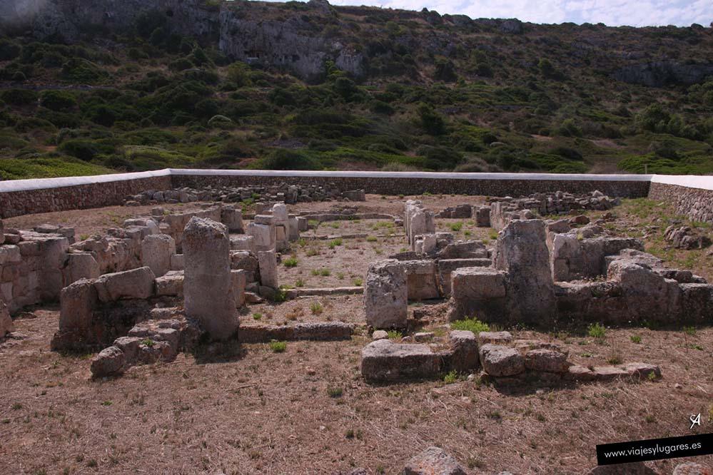 Playa de Son Bou en Menorca. Restos de una basílica paleocristiana, se supone que del siglo V d. C.