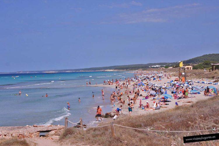Playa de Son Bou en Menorca