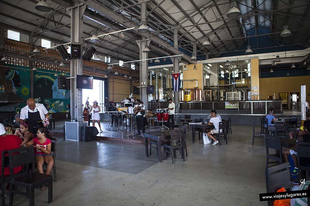 Cervecería Antiguo Almacén de la Madera y El Tabaco. Avenida Puerto y San Pedro. La Habana
