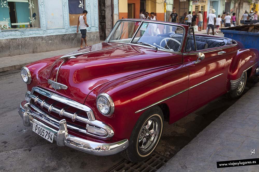 Almendrones en La Habana