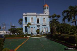 Paseando por Cienfuegos: Hotel Azul