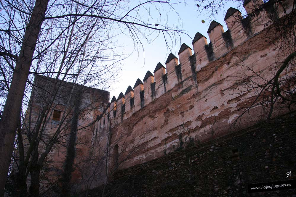 Torre del Cadí en la Alhambra de Granada