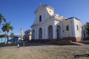 Iglesia y Plaza Mayor. Trinidad