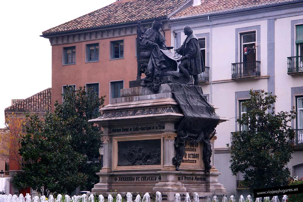 Monumento a Colón en Granada
