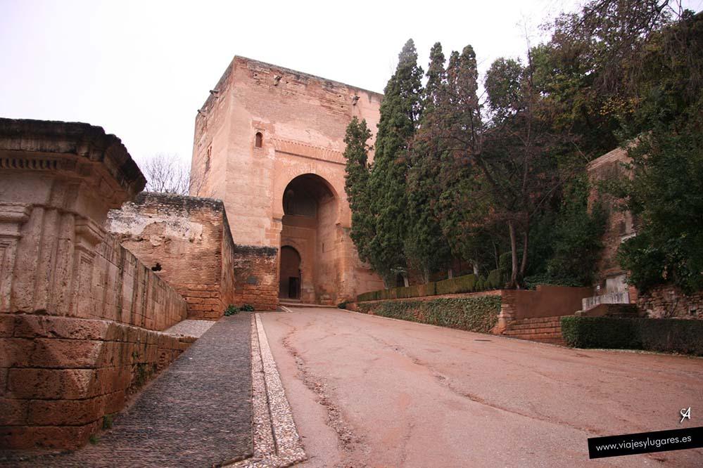 Puerta de la Justicia en la Alhambra de Granada