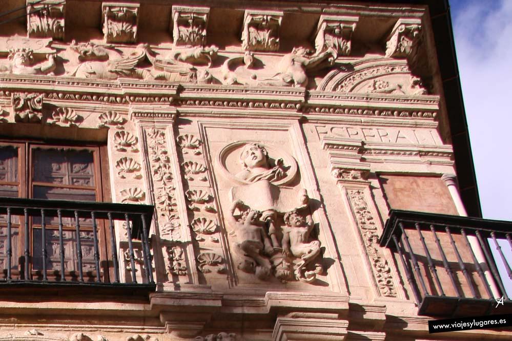Casa de Castril en el Paseo de los Tristes en Granada