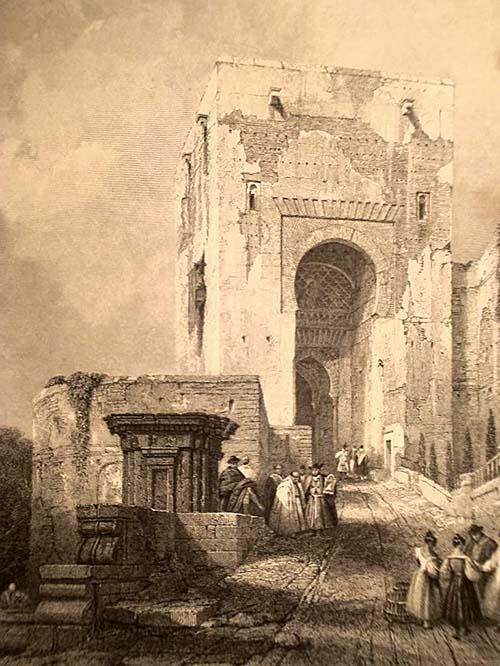 Imagen antigua de la Puerta de la Justicia en la Alhambra de Granada