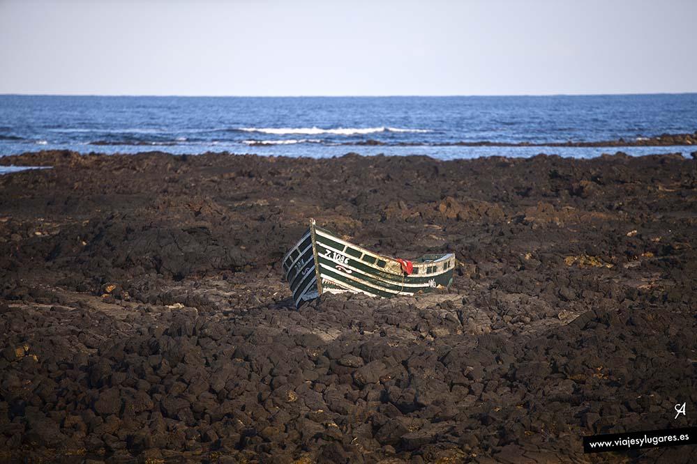 Sueños rotos, barca abandonada