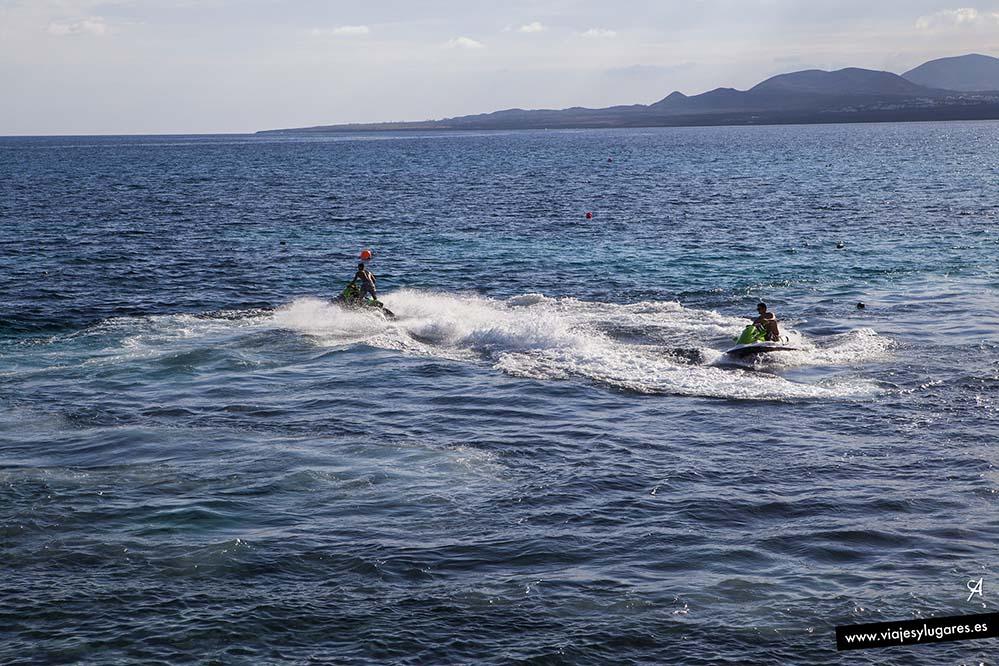 Jugando con las motos acuáticas
