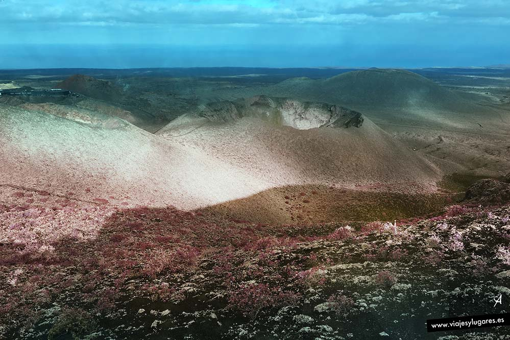 Cráter del volcán en Timanfaya