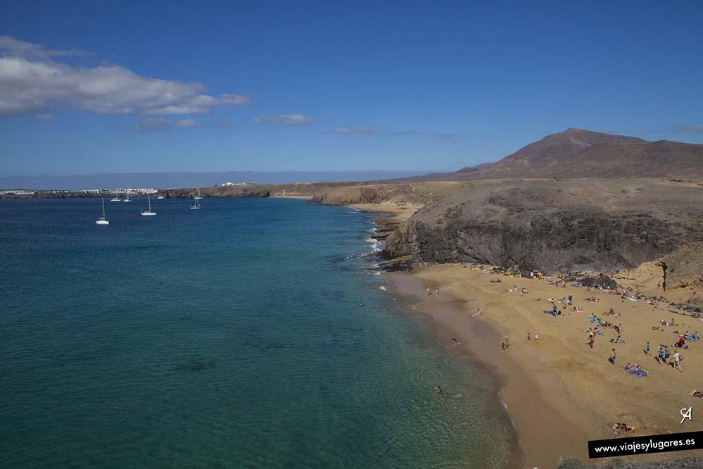 Playa del Papagayo, playa de la Cera, playa del Pozo, playa Caletón San Marcial, playa Mujeres, Cueva de Agua, playa de las Coloradas...