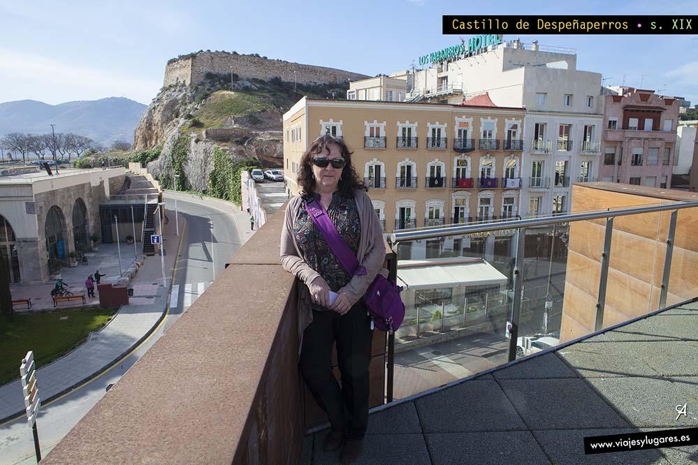 Guía breve de Cartagena. Colina de Despeñaperros y castillo