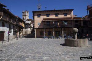 Ayuntamiento y Picota. Garganta de la Olla. Valle de la Vera