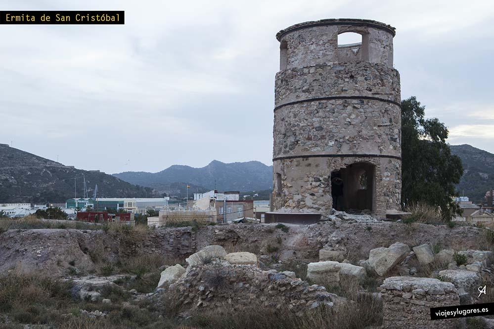 Ermita de San Cristóbal. El Molinete: Cima del cerro