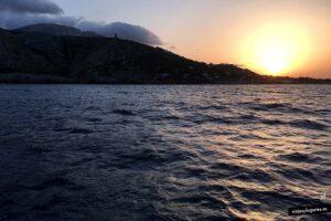 Qué ver y hacer en Denia: Ver el atardecer desde un catamarán