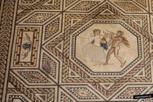 Apolo tocando la lira y Marsias tocando la flauta