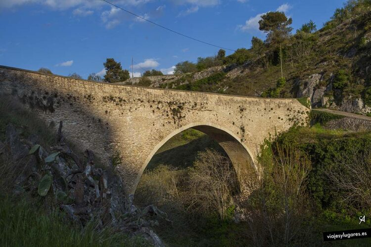 Pont de Darrere la Vila. Puente detrás del pueblo