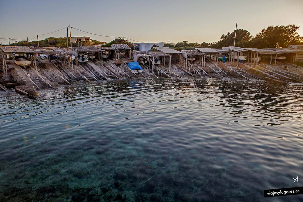 Puerto de Es Caló. Qué ver en Formentera días 1 y 2